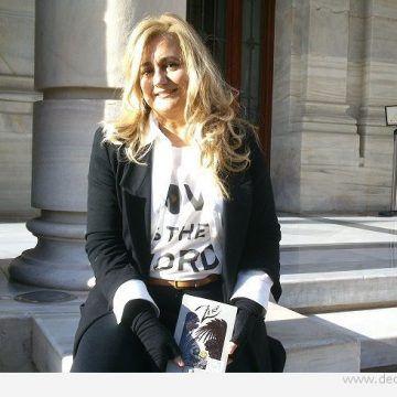 Lola Beccaria: «Los adultos somos algo prepotentes, deberíamos escuchar más a los jóvenes»